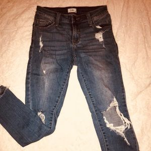 size 0 cropped, distressed skinny jeans